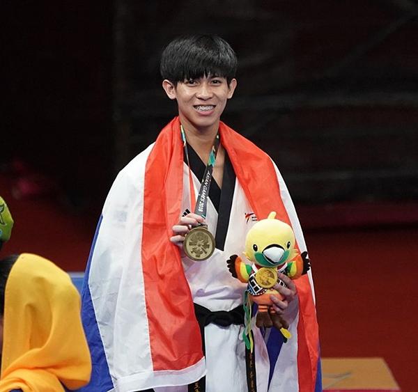 นายพงศ์ภรณ์ สุวิทยารักษ์ นักศึกษาสาขาการจัดการกีฬาคว้าเหรียญทองแดง กีฬาเทควันโด ในการแข่งขันเอเซียนเกมส์ 2018