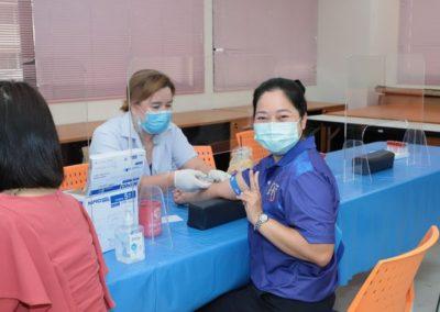 วันสุดท้ายของการตรวจร่างกายและสารเคมีในเลือด เพื่อประเมินสุขภาวะพื้นฐานของผู้ร่วมโครงการ 3H (Holistic Health Hub) โดยศูนย์บริการสุขภาพคณะสหเวชศาสตร์ เป็นผู้ให้บริการ ตั้งแต่เวลา 07.00-12.00 น. วันที่ 9 มี.ค.64 ณ ห้อง 612 ชั้น 6 อาคารปิยชาติ💙💛